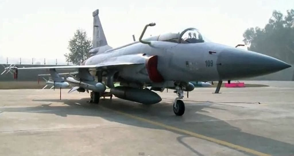 sd-10-jf-17-thunder-fighter-jets-fitted-sd-10-bvr-aam-c-802a-antiship-missile-fixed-in-flight-refuelling-ifr-probe-pakistan-air-force-paf-il-78-tanker-blcok-i-ii-iii-iv1.jpg