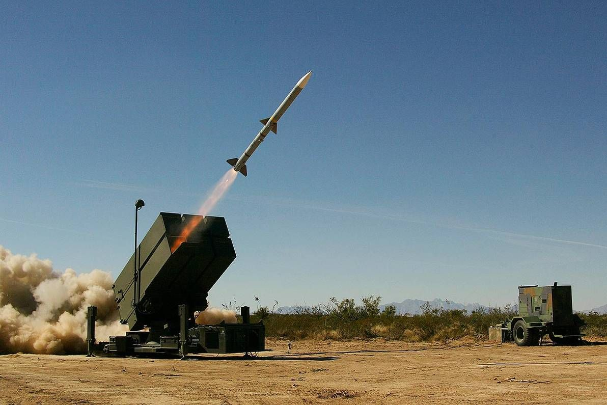 lb-kongsberg-gruppen-nasams-norwegian-advanced-surface-to-air-missile-system.jpg